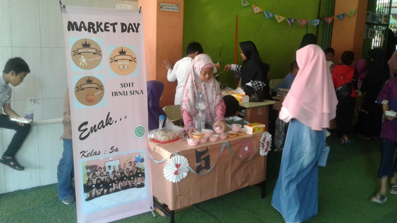 Market Day dan Penerimaan Rapor Semester Ganjil